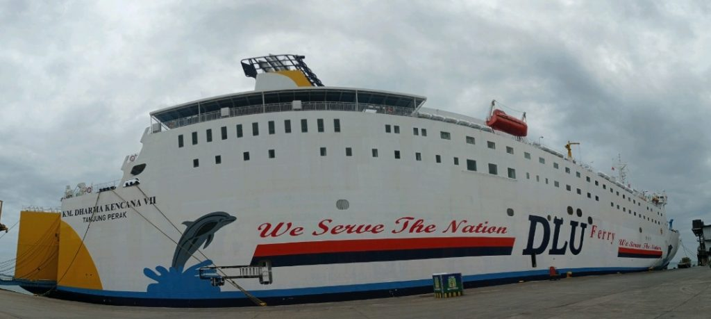 kapal dari surbaya menuju makassar