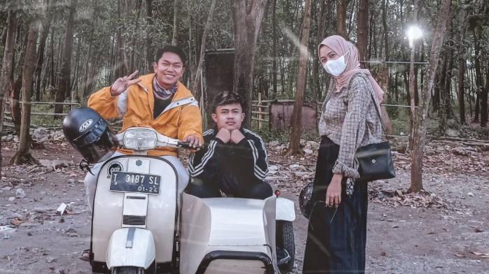 Mengunjungi Hutan Kertas di Karawang yang Sejuk